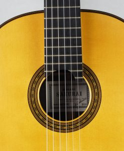 Masaki Sakurai Maestro-RF luthier guitare classique Masuri Kohno