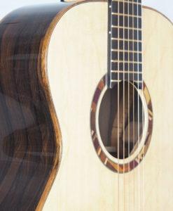Kevin Muiderman luthier guitare acoustique No 19MUI223-05